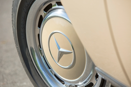 Mercedes-Benz W115 220D 1975-Eric Breed-0026