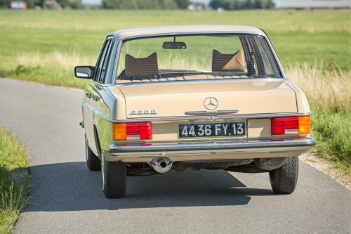 Mercedes-Benz W115 220D 1975-Eric Breed-9864