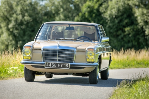 Mercedes-Benz W115 220D 1975-Eric Breed-9881