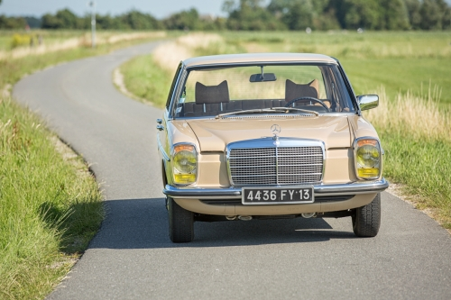 Mercedes-Benz W115 220D 1975-Eric Breed-9922