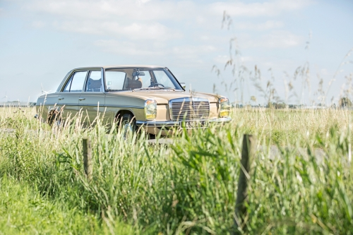 Mercedes-Benz W115 220D 1975-Eric Breed-9950