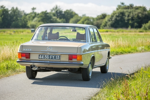 Mercedes-Benz W115 220D 1975-Eric Breed-9965